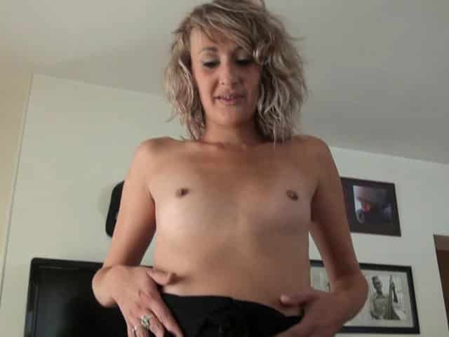 Sexe anal pendant un Gang Bang